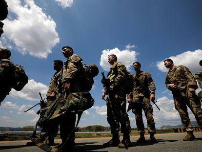 Paracaidistas de la 82 División Aerotransportada del Ejército de los Estados Unidos hicieron ejercicios militares en la base Tolemaida, en enero pasado.