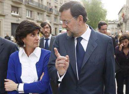 Mariano Rajoy y María San Gil, el miércoles 14 de mayo en Vitoria.