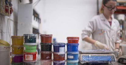 Instalaciones de la empresa de pinturas ecológicas Graphenstone en la localidad sevillana de El Viso del Alcor.
