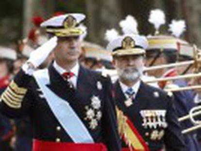La asistencia de unos 2.000 invitados al Palacio Real con motivo de la Fiesta Nacional minimiza el vacío de los presidentes de Cataluña, Euskadi y Navarra