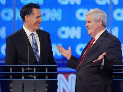 Los candidatos presidenciales republicanos Mitt Romney  y Newt Gingrich en el debate del pasado jueves.