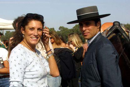 Francisco Rivera con su madre Carmen Ordóñez en una imagen de noviembre de 2001.