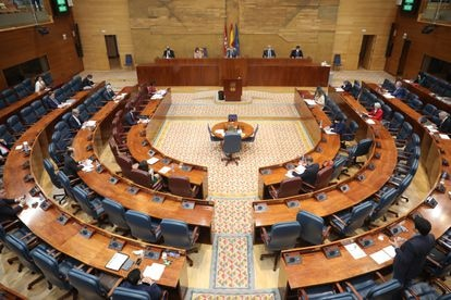 Imagen panorámica del pleno de la Asamblea de Madrid.