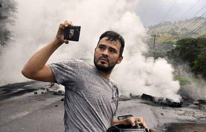 Incluso las protestas políticas, como esta en Honduras, merecen un buen selfi.