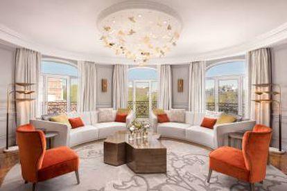 Uno de los salones de la suite real del hotel Westin Palace de Madrid.