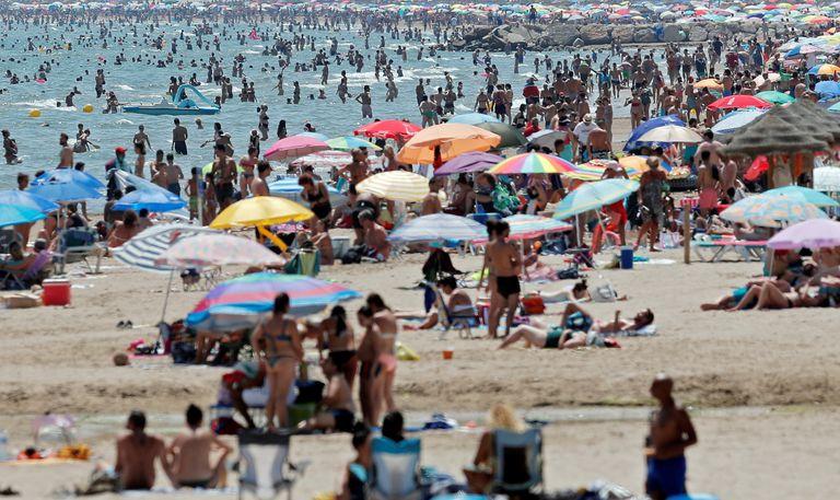 La playa de la Patacona, en Valencia, este pasado domingo.