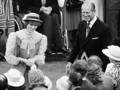 Lady Di y Felipe de Edimburgo, en el palacio de Buckingham, en 1981.