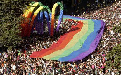 Multitudinaria marcha del Orgullo en Sao Paulo en 2007