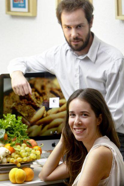 Los emprendedores Álvaro e Isabel Ortíz, dueños de la empresa Mumumío.