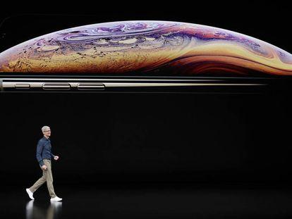 El consejero delegado de Apple, Tim Cook, en la presentación del nuevo iPhone este miércoles.