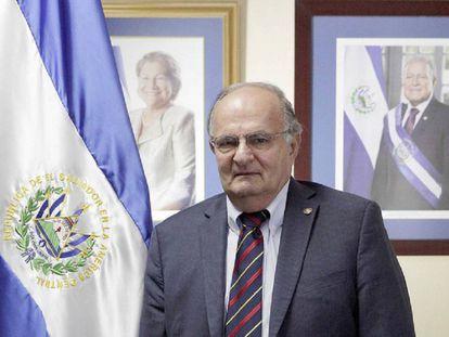 Hato Hasbún, político clave de El Salvador.
