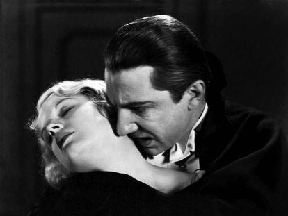 Fotograma de 'Drácula' (1931), con Helen Chandler y Bela Lugosi.