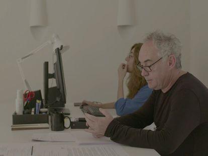 Ferran Adrià, en una imagen del documental 'Las huellas de elBulli'.