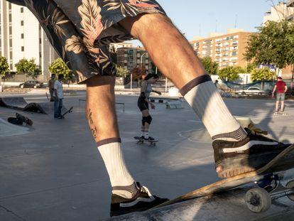 Ambiente en el skatepark de Escombro, a la altura del metro Campamento, en julio.