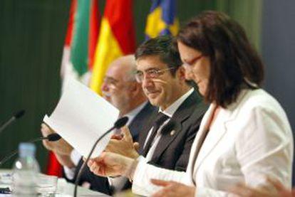 El 'lehendakari', hoy junto a la comisaria europea de Interior, Cecilia Malmström, en la inauguración de un congreso sobre paz.