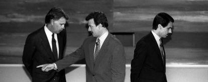 Primer cara a cara entre González y Aznar.