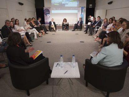 Momento de la charla en la Sala de Encuentros de EL PAÍS.
