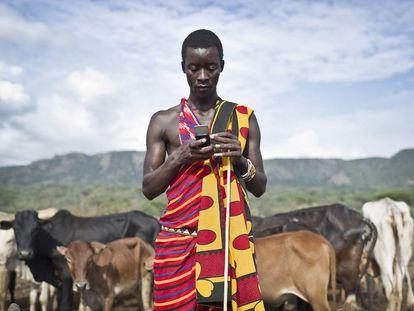 M-Pesa ofrece productos financieros a través del móvil en Kenia.