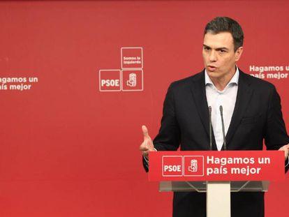 Pedro Sánchez, en una rueda de prensa este lunes.