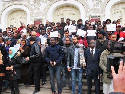 Manifestación contra el racismo en Túnez.