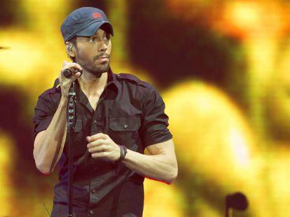 El cantante Enrique Iglesias en un concierto en 2017 en Austin, Texas.