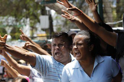 Protesta sindical en Tixtla (Guerrero) durante las elecciones.