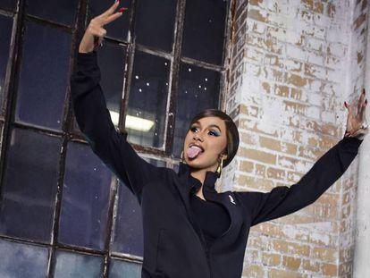 La cantante Cardi B posa para Reebok.