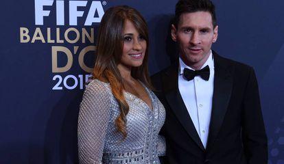 Leo Messi y Antonella Rocuzzo, en una gala de la FIFA.