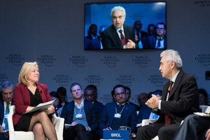 Katherine Hamilton (a la derecha) durante el pasado Foro Económico Mundial)