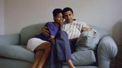 Michelle Obama, en el piso que compartía con Barack Obama cuando eran dos abogados jóvenes y enamorados.