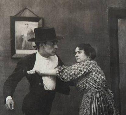 José de Almada Negreiros, en un fotograma de la película 'O Condenado' (1921).