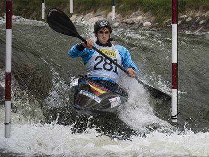 David Llorente, subcampeón del mundo, cuenta cómo es una bajada en aguas bravas.