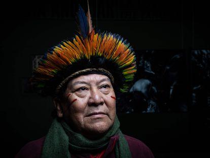 Un líder de los inígenas yanomami, de Brasil.