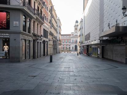 La calle Preciados, de Madrid, vacía el día de la declaración del estado de alarma.
