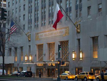 Fachada del hotel Waldorf Astoria en Nueva York