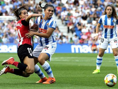 Jone Ibañez (i) y Kiana Palacios (c), en el Real-Athletic de hace dos semanas.