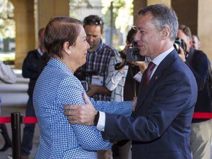 El lehendakari, Iñigo Urkullu, y la presidenta de Navarra, Uxue Barkos, este viernes en Pamplona.