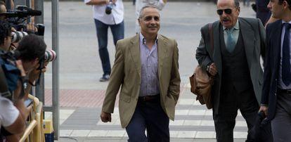 Tomás Reñones, este viernes, en su llegada a la Audiencia Provincial de Málaga