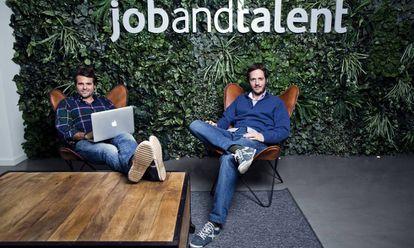 Juan Urdiales (izquierda) y Felipe Navío, cofundadores de la empresa Jobandtalent, en 2015.