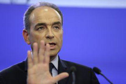 Jean-François Copé comparece hoy ante la prensa en París.