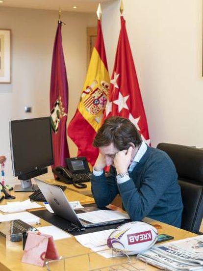 El alcalde de Madrid, durante una videoconferencia.