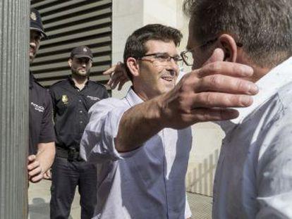 El PSPV-PSOE suspende de sus funciones al alcalde de Ontinyent, y propone a Toni Gaspar como sustituto