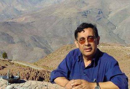 Imagen del sismólogo Raúl Madariaga en Chile.