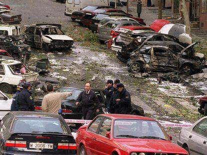 Zona de la calle Corazón de María en Madrid, tras el atentado de ETA del 6 de noviembre de 2001.