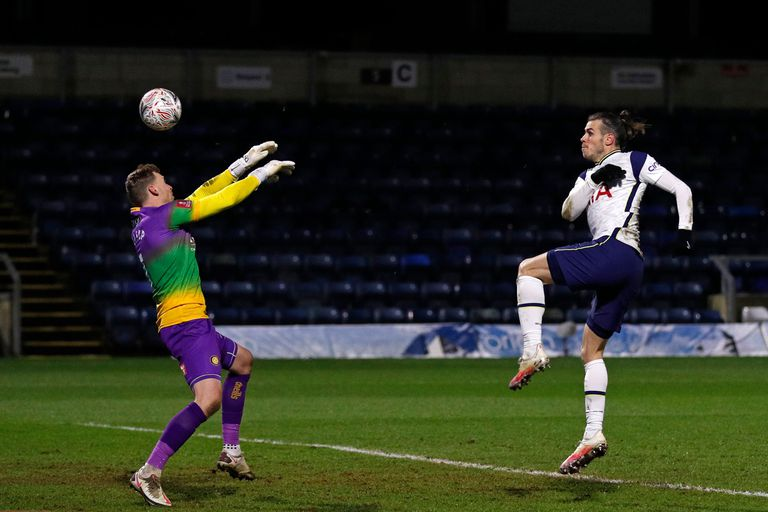 Bale beats Wycombe Wanderers goalkeeper in FA Cup fourth round.