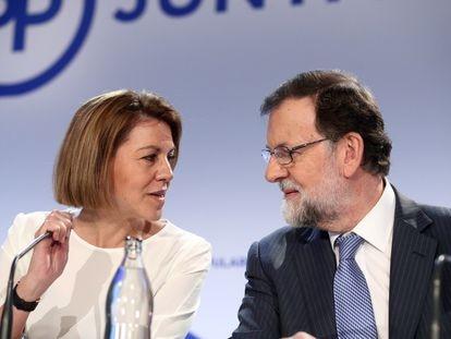 María Dolores de Cospedal y Mariano Rajoy durante la Junta Directiva Nacionanal del PP, el 11 de junio de 2018.