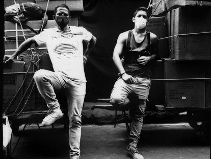 Los inmigrantes venezolanos han contribuido a mantener abierto el mercado de Mesa Redonda (Lima, Perú) durante la pandemia. Nelson Partidas y Santiago Contreras son dos de ellos.