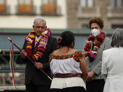 López Obrador junto a Rousseff, este jueves en Ciudad de México.