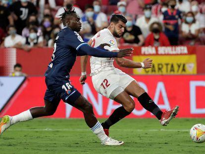 Mir anota el segundo gol del Sevilla.
