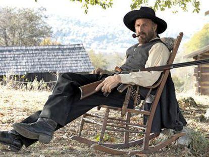 Kevin Costner, en una imagen promocional de 'Hatfields & McCoys'
